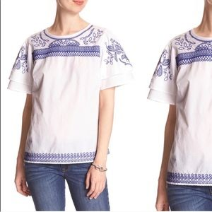 BANANA REPUBLIC White and blue embroidered top